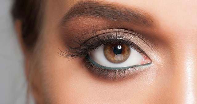 مداد چشم رنگی مهمانی