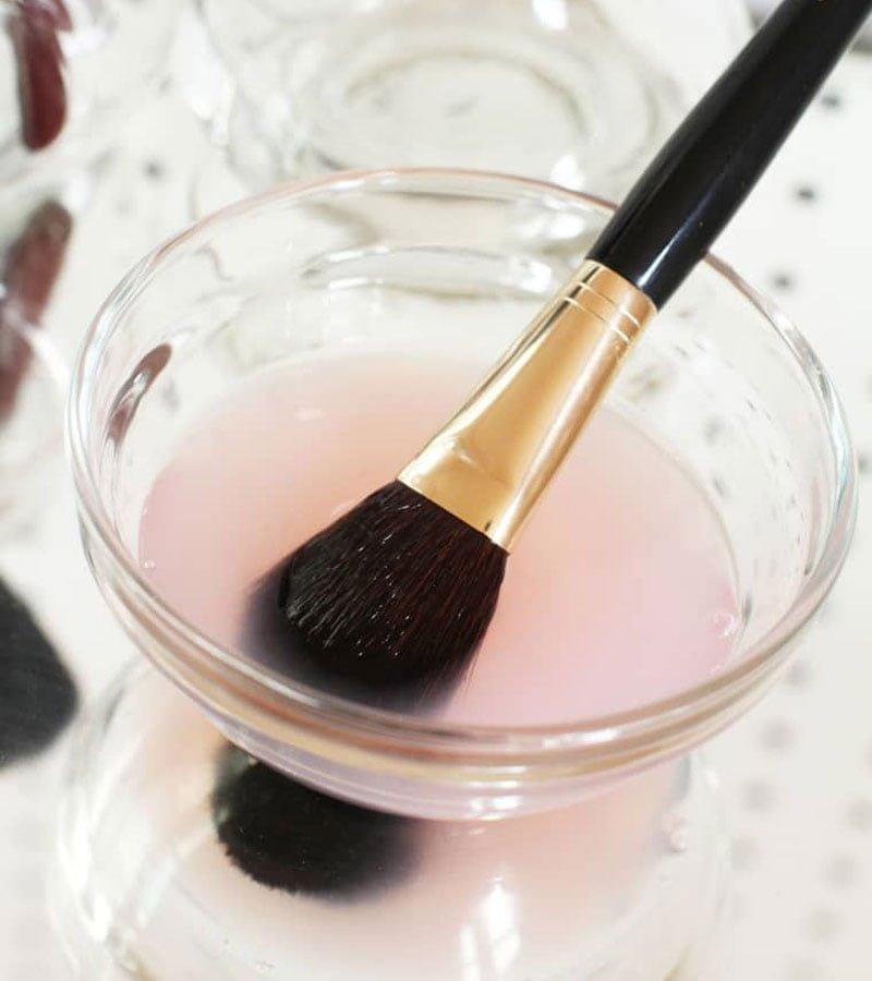 نحوه تمیز کردن براش آرایشی