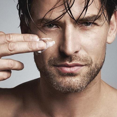 دلیل استفاده از مرطوب کننده مردانه و پاکسازی پوست مردان